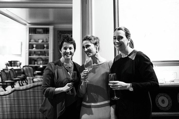 Maider Tomasena, Silvia Moreno y Maria Zalbidea en Cenas Adivina Bilbao.